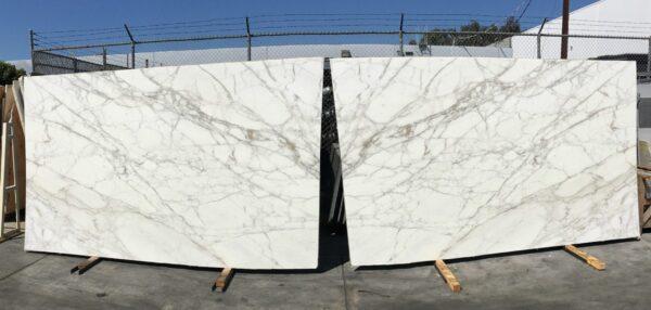 Calacatta Oro Extra 130x78 polished roman marble